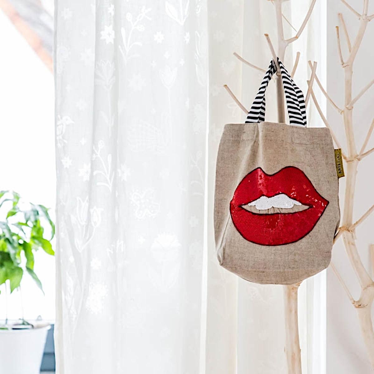 Minibagtasche Pailletten Lippen Von Artebene
