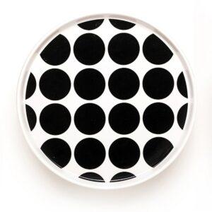 Teller mit schwarz-weissen Dots von Camilla Engdahl